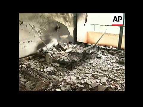 Sierra Leone - Rebels loot hotel