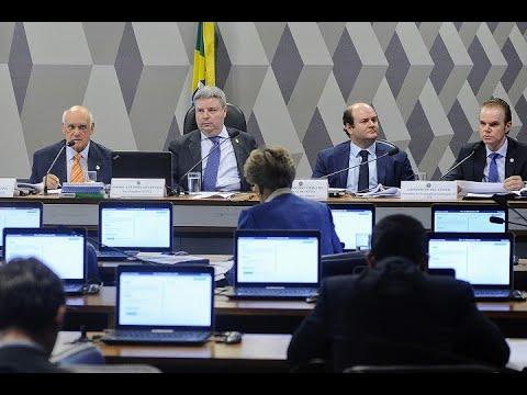 Segurança da urna eletrônica e voto impresso são debatidos pela CCJ
