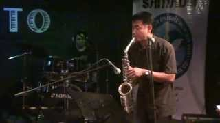 1. PENT UP HOUSE by Dix Lucero 2. CORCOVADO, Sax Solo by Dix Lucero @ Kanto Bar, Davao