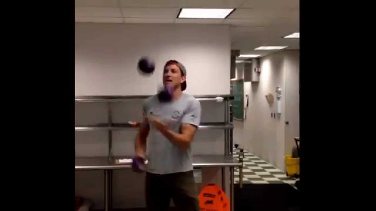 Cleveland Kraut juggles. - YouTube
