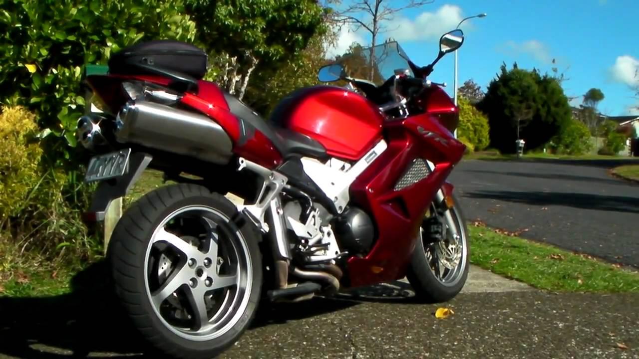 2007 Honda VFR800 Walkaround - YouTube