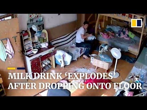 (Video) Lelaki Terkejut Botol Susu Tiba-Tiba Meletup, Melantun Sampai Siling Rumah