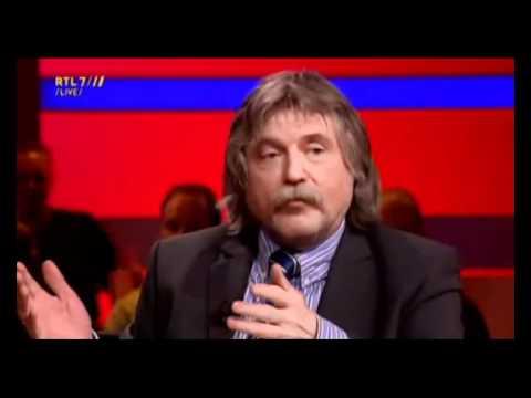 Directeur Ici Paris laat zich afzeiken door Johan Derksen