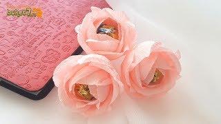 как сделать цветок из бумаги и конфет своими руками