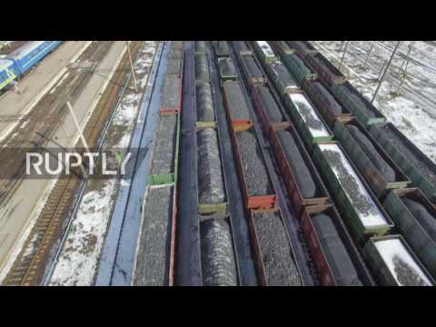 Ukraine: Drone captures hundreds of coal carts blocked from leaving Donbass