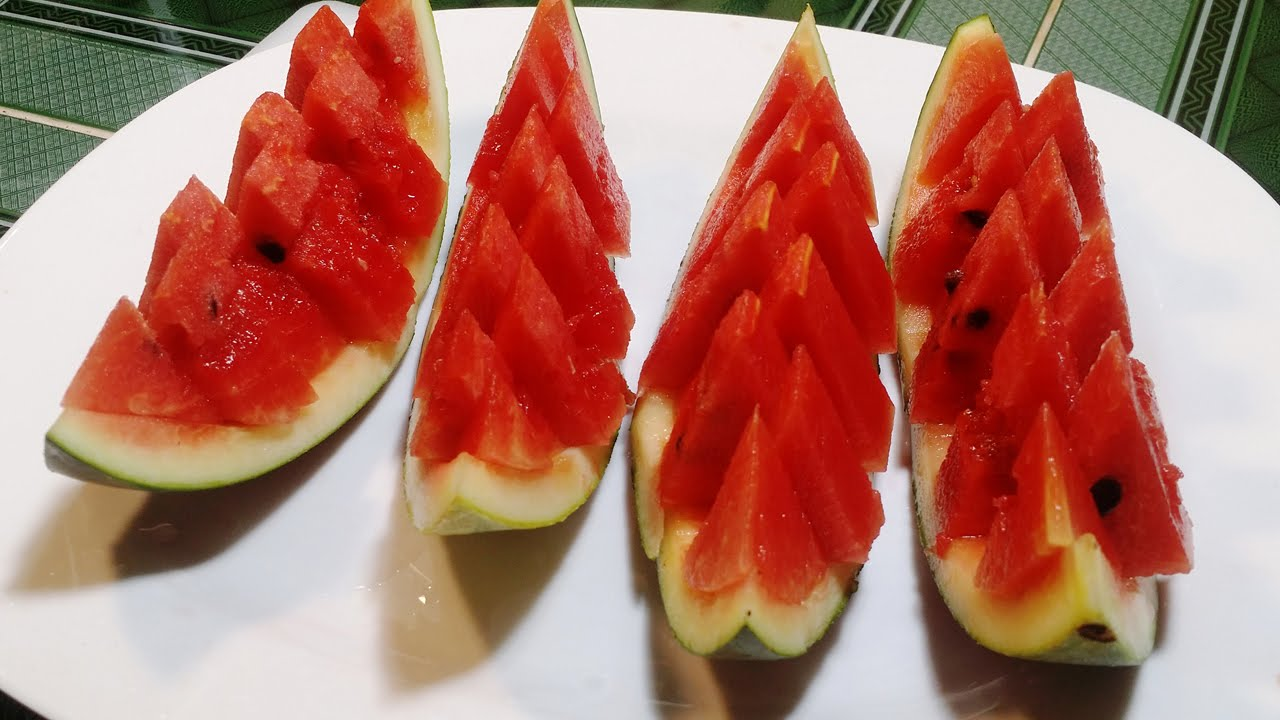How To Cut Watermelon - 5 simple yet brilliant Ways
