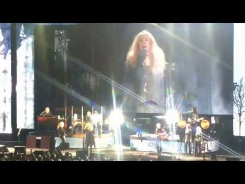 Stevie Nicks - Edge of Seventeen Live (Austin, Tx)