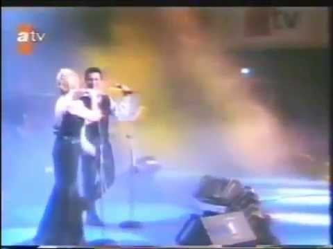 Tarkan & Sezen Aksu   Unutmamalı Konser   1996   Video   Alkışlarla Yaşıyorum