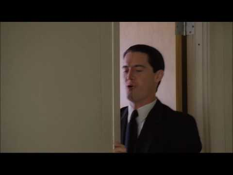 Twin Peaks: Agent Dale Cooper flirting with (the invisible) Diane