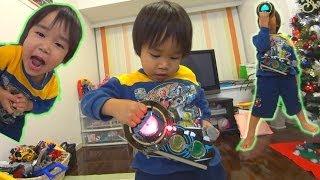 仮面ライダーオーズ/OOO ベルトをもらって喜ぶ息子。 変身ベルトDXオーズドライバー  KamenRiderOOO thumbnail