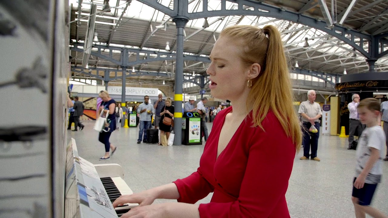 Freya Ridings - Lost Without You (Live at Dublin's Heuston Station) image
