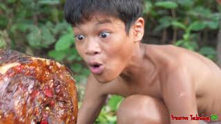 Primitive Technology - Eating Delicious - Grilled Pig Head Cooking In Jungle #180