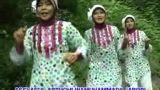 QOSIDAH Hj Ummi Fattah--Syi'iran Wali Sunan Giri