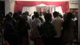 "ZAIKO LANGA LANGA LIVE A LIMETE AVEC YOGO  ( NOUVELLE DANCE "" MUKONGO YA KOBA "" )."
