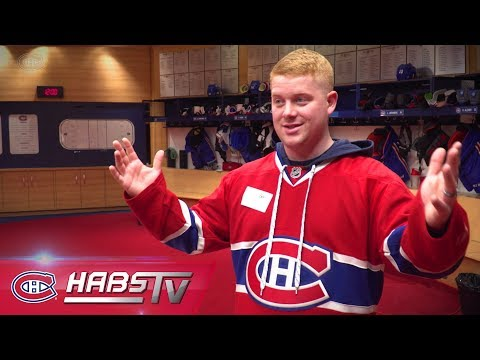 Geoff Molson grants a fan's request to tour the Canadiens' dressing room