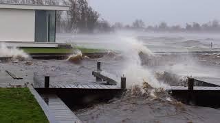 HET GAAT KOMEN GELOOF ME MAAR !! Zware storm - Do. 18 januari 2018 - Reeuwijk en Gouda