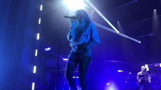 100 Letters live by halsey at vevo