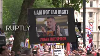 UK: Clashes in London as thousands demand Tommy Robinson's release