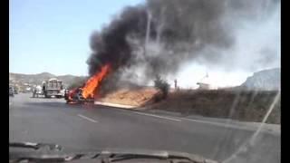Voiture en feu autoroute Hammamet