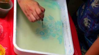 Мастер класс по эбру. Урок Эбру. Рисование на воде. Как рисовать на воде.(Рисуем на воде. Турецкое искусство Эбру. Завораживающие рисунки на воде. Создаем картины на воде и переводи..., 2015-07-26T11:58:13.000Z)