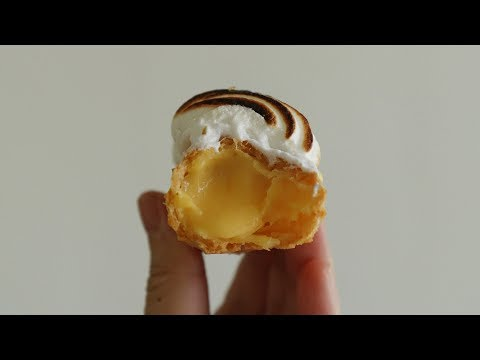 Lemon Meringue Eclair | Honeykki