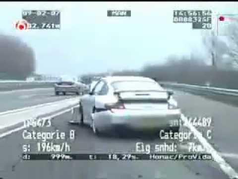 Porsche 911 GT3 vs. Volvo V70 R  (Polizei verfolgun.mp4