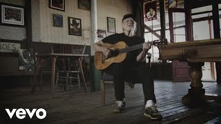 Willie Nelson - The Wall (acoustic performance)