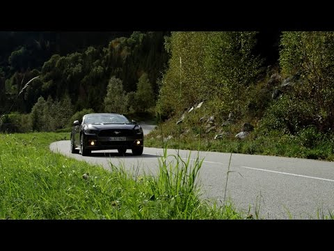 Ford Mustang Convertible 2.3 Tackles the D526 & D926 in The Alps