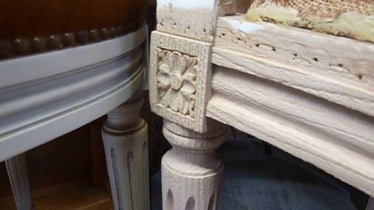 a rogommage d 39 une chaise en bois de style louis xvi m daillon youtube. Black Bedroom Furniture Sets. Home Design Ideas