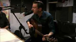 Eugene McGuinness - Blue Jeans (live on OÜI FM - Lana Del Rey cover)