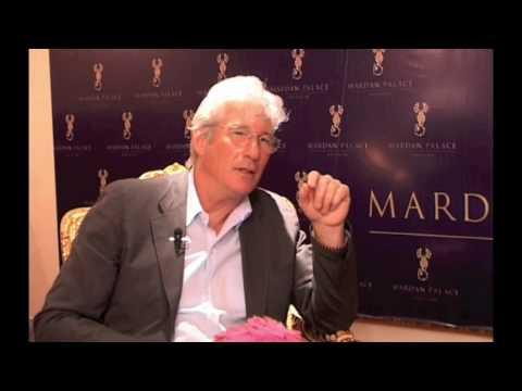 Интервью с Ричардом Гиром (Interview with Richard Gere)