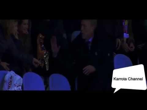 FUNNY David Moyes Sent Off Jumps into stands and  eats a fans crisps - 2015 HD
