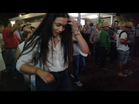 Dança em roda - Desfolhada Minhota Lavradas (Ponte da Barca)