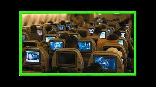 Голый пассажир напал на стюардессу после просмотра порно| TVRu