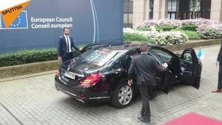 Poroshenko Recieves Cold Welcome in Brussels