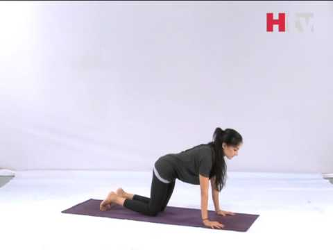 one minute yoga  revolved triangle pose  htv  youtube