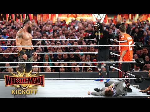 Cindy Scull Mornings - Michael CHE & Colin Jost from SNL got in the ring at Wrestlemania!