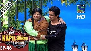 Kiku Sharda with arrows making mockery of Kapil - The Kapil Sharma Show - Ep.46 -25th September 2016
