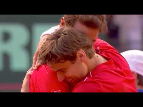David Ferrer and Rafael Nadal hug Davis Cup with Titanic song