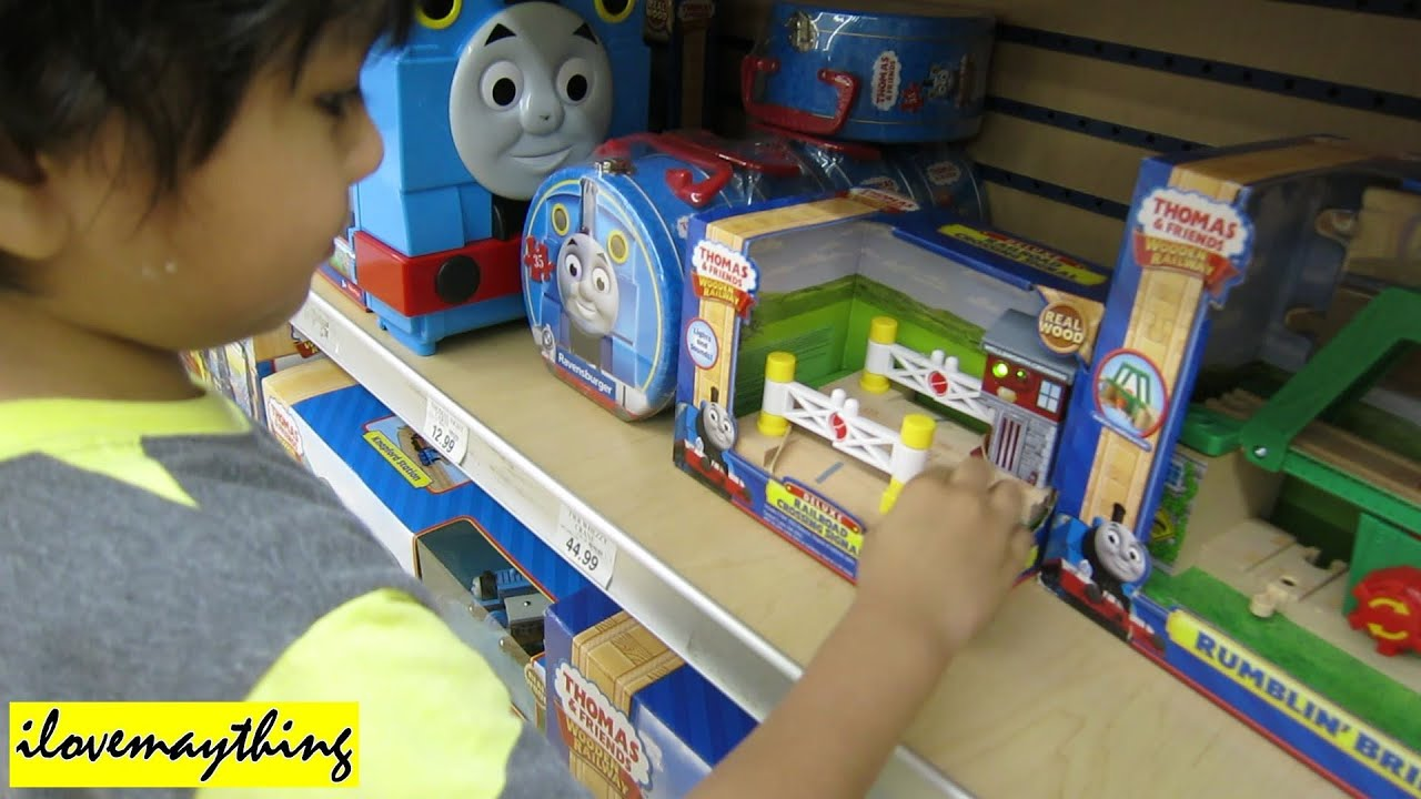 Deluxe Railroad Crossing Signal Wooden Railway - Thomas and Friends