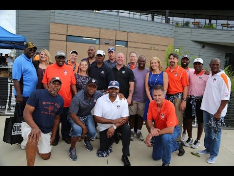 Denver Broncos Alumni give away 1000 pair of cleats