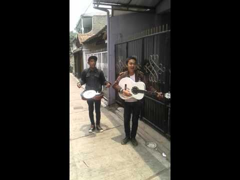 Bandung, West Java, Indonesia - Street Singers' song