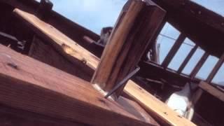 05 Phill Niblock - Zrost (23.32, 2004) [Touch]