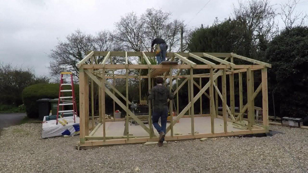post beam timber frame garage build youtube rh youtube com timber frame garage kit timber frame garage extension