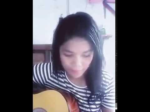 wah !!! bagus nya suara cewek ini nyanyi lagu batak sambil main gitar