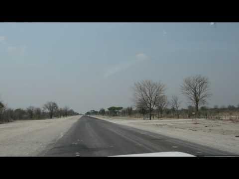 Namibia. Caprivi Strip. Переезд в Katima Mulilo. Район деревни Linyandi. Мама Люба