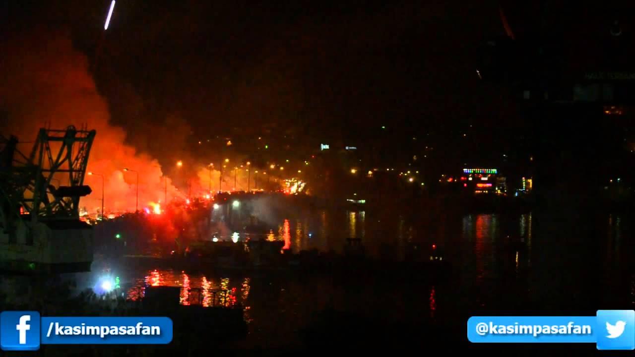 Kasımpaşa Taraftarı Unkapanı Köprüsü Meşale Şov #DünyaKasımpaşalılarGünü