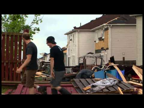 Tornado hits central Ontario