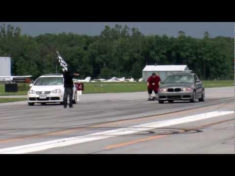 BMW 135i vs Volkswagen R32
