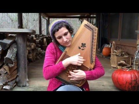 Leah Dolgoy plays